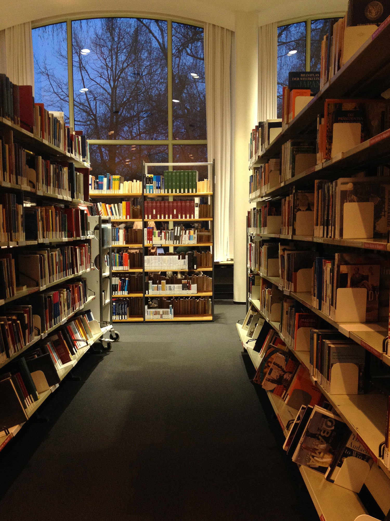 Book Launch Eva Olthof: Return to Rightful Owner