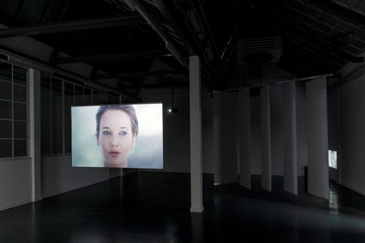 katarina-zdjelar-dolf-henkes-prijs-2016-installation-view-in-tent-photo-aad-hoogendoorn-4